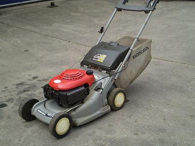 honda hrb 475 petrol push rotary lawn mower lawnmowers shop. Black Bedroom Furniture Sets. Home Design Ideas
