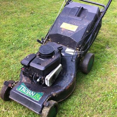 Trojan 18s Self Propelled Lawn Mower Qualcast Lawnmowers