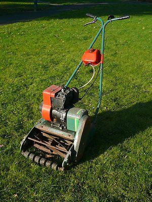 Qualcast Suffolk Punch 30 Self Propelled Petrol Lawn Mower