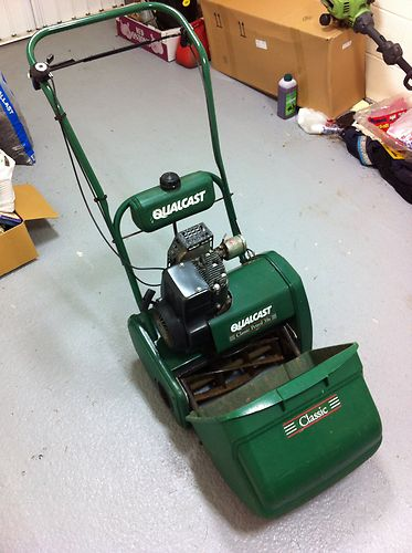 Qualcast Classic 35s Petrol Self Propelled Cylinder Lawn