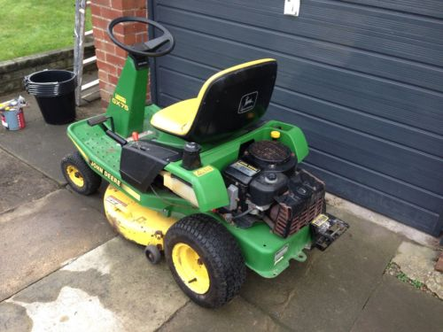 John Deere Gx75 Ride On Petrol Lawnmower    Tractor