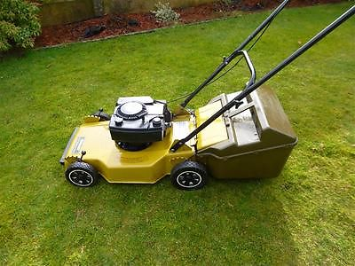 qualcast jetstream 45rbdl classic petrol push lawn mower. Black Bedroom Furniture Sets. Home Design Ideas