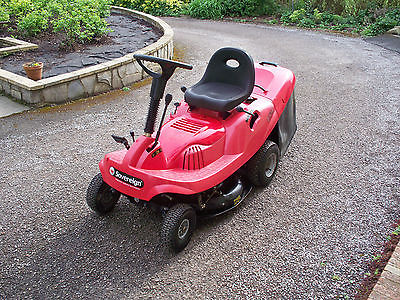 Sovereign 6 63m Ride On Mower C W Grass Box New Blade