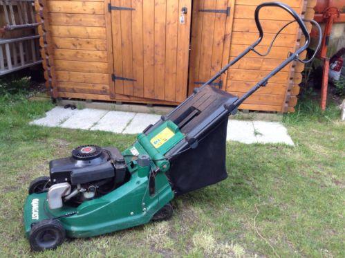 qualcast turbo 40 petrol push rotary lawn mower. Black Bedroom Furniture Sets. Home Design Ideas