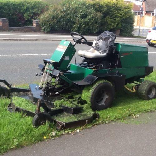 Ransom Mower Seats : Ransomes d ride on mower kubota powered lawnmowers shop