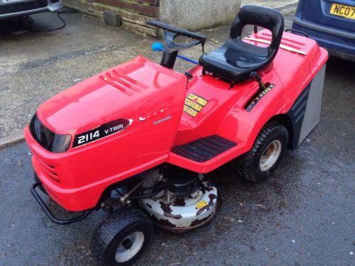Kubota Lawn Tractor >> Honda 2114 V-twin Hydrostatic Ride On Lawn Mower Garden ...
