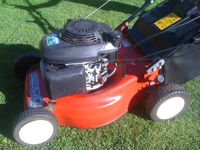 petrol push honda gcv 135 4 5 lawn mower with grass box. Black Bedroom Furniture Sets. Home Design Ideas
