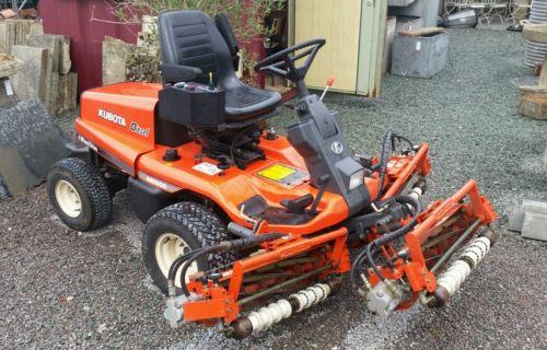 Kubota Ride On Lawn Mower Am 1800 Diesel. Very Good Condition - Lawnmowers Shop