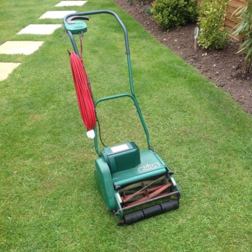Qualcast Punch Classic 30 Push Reel Electric Lawnmower In