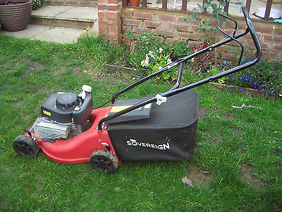 Sovereign Manual Push Briggs And Stratton Petrol Lawnmower - Lawnmowers Shop