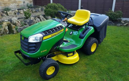 john deere x135r ride on mower lawnmowers shop. Black Bedroom Furniture Sets. Home Design Ideas