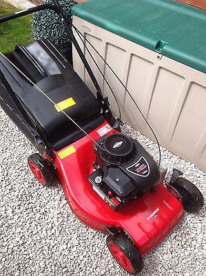 champion 148cc petrol lawn mower push briggs and. Black Bedroom Furniture Sets. Home Design Ideas