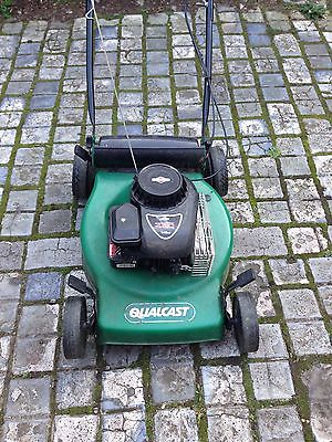qualcast self propeled petrol lawnmower with briggs and. Black Bedroom Furniture Sets. Home Design Ideas