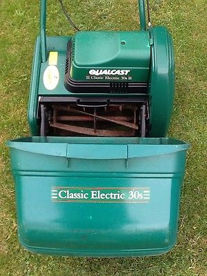 Qualcast Classic 12 Self Propelled Electric Cylinder